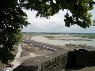 Bauarbeiten neuer Damm