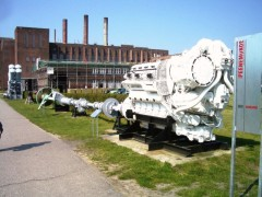 alter Schiffsmotor