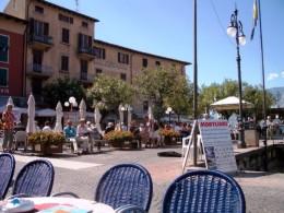 Cafés am Hafen