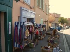 kleine Läden im Ort