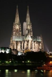 Kölner Dom nachts