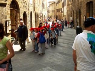 die Gassen sind voller Touristen