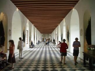 Erdgeschoss der Galerie