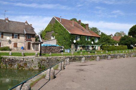 Der Rhein-Rhône-Kanal bei Orchamps