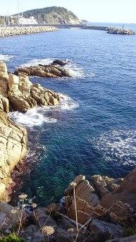 Palamós_Felsenküste