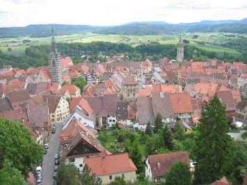 Blick vom Rottweiler Hochturm. Im Hintergrund die Schwäbische Alb