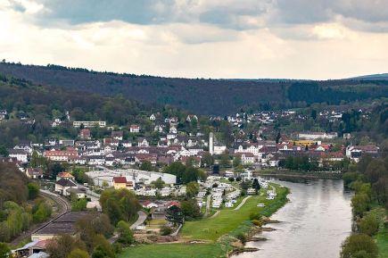 Blick auf Bad Karlshafen vom Weserwanderweg
