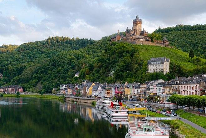 Cochem mit der Reichsburg im Hintergrund
