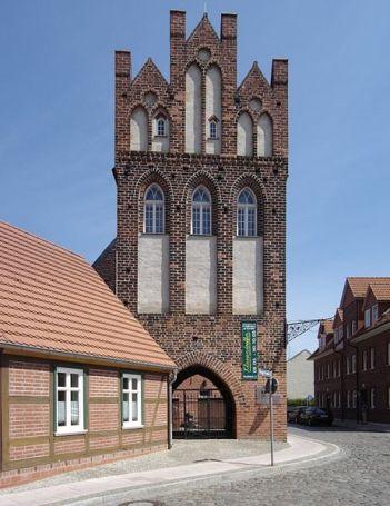 Das Steintor, das älteste Gebäude in Wittenberge, wurde 1297 erstmals erwähnt.