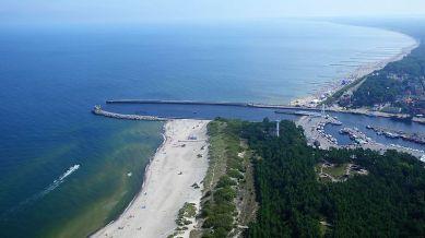Strand und Hafen in Ustka