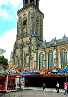 Deventer Kirmes vor der Kirche