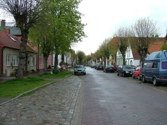 Arnis Lange Straße