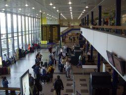 Flughafen_Berlin-Schoenefeld_Große_Wartehalle