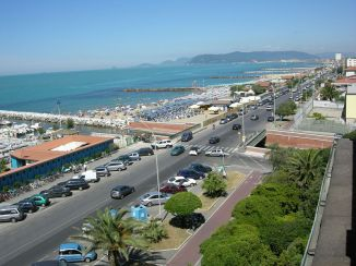 Marina di Massa Promenade