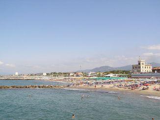 Marina di Massa Strand