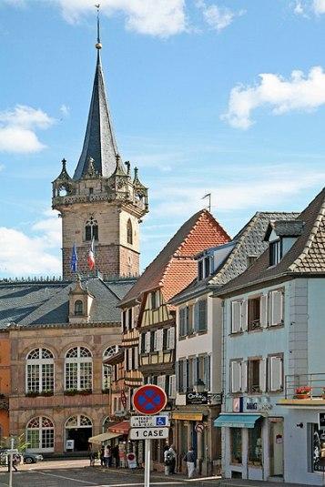 Obernai Rathaus und Kappelturm