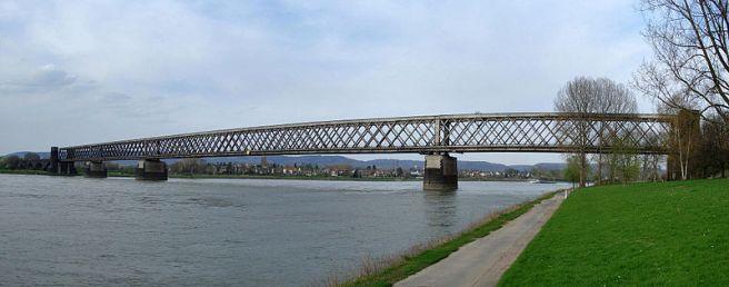 Urmitzer Eisenbahnbrücke