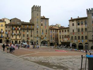 Arezzo Piazza Grande Patrizierhäuser
