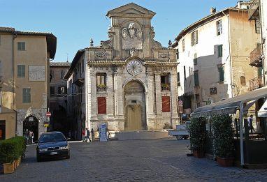 Spoleto_Marktplatz
