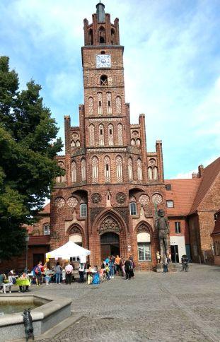 Brandenburg Altstädtisches Rathaus mit Roland