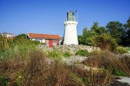 Hällevik_harbor_lighthouse