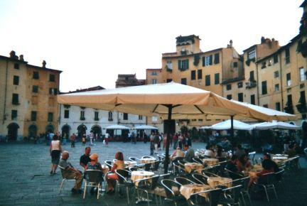 Lucca Marktplatz 2002
