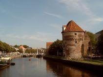 Zwolle Turm Stadtgraben und Brücke