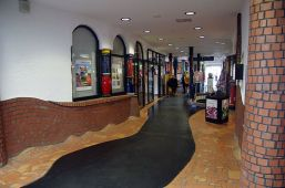 Uelzen Hundertwasserbahnhof innen