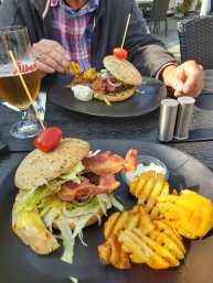 Burger im Café Solo